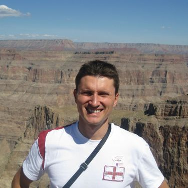 Handsome Adventist single man in the grand canyon